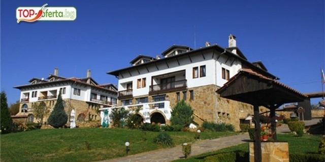 Почивка и SPA в АРБАНАСИ! Нощувка, закуска, вечеря, топъл басейн, SPA процедури +  в Хотелски комплекс Винпалас на ТОП цена!