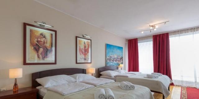 Почивка и SPA в Белград, Сърбия! Нощувка със закуска и вечеря на човек+ напитки за добре дошли и паркинг на ТОП цена в хотел Вила Панорама 3*!