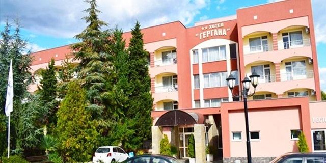 Почивка във Велинград! 5 Нощувки със закуски, обеди и вечери в стая ДЕЛУКС топъл минерален басейн + СПА пакет, от Балнео комплекс Панорама на ТОП цена!