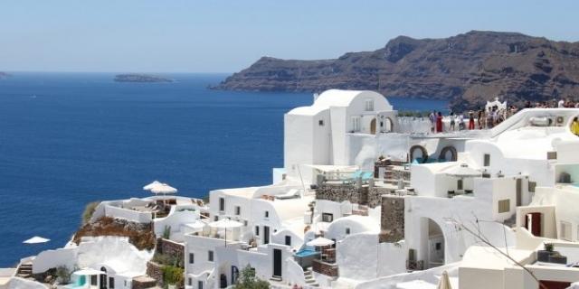 РАННИ ЗАПИСВАНИЯ: Майски празници на о.Санторини, Гърция! 4 нощувки със закуски в двойна стая + ТРАНСПОРТ!