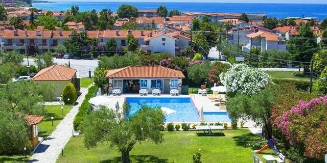 Ранни резервации за лято 2020 в Bomo Julia Hotel3*, Халкидики, Касандра, Фурка, Гърция! 3 Нощувки на база ALL INCLUSIVE + басейн !