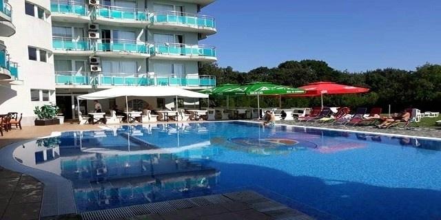 LAST MINUTE: Нощувка на база All Inclusive light   в хотел Сънсет Бийч 3* Лозенец  на 200м. от плажа! Дете до 13г. – БЕЗПЛАТНО + Басейн!